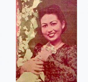 ALLAHYARHAMAH Seniwati Kasmah Booty, ibu Kesuma.