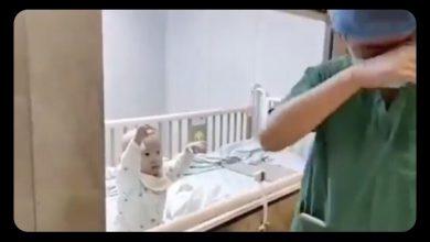 Photo of Ayah menangis lihat anak dikuarantin kerana Coronavirus