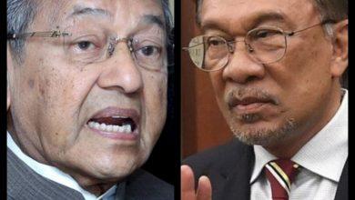 Photo of Usul  percaya atau tidak, goalie nya Dr. Mahathir… cekap