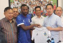 Photo of Sabah ambil pemain import baharu dari Namibia