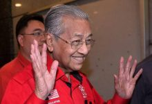 Photo of Dr. Mahathir 'dibuli' hingga menangis