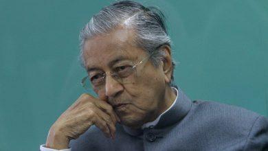 Photo of Tun Mahathir-UMNO…air dicencang tiada putus